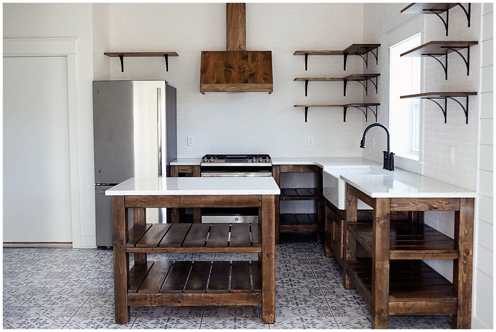 Farmhouse Kitchen Design in the Barn