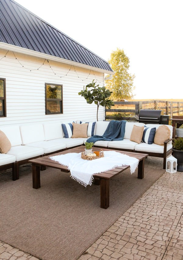 How to make a DIY outdoor coffee table
