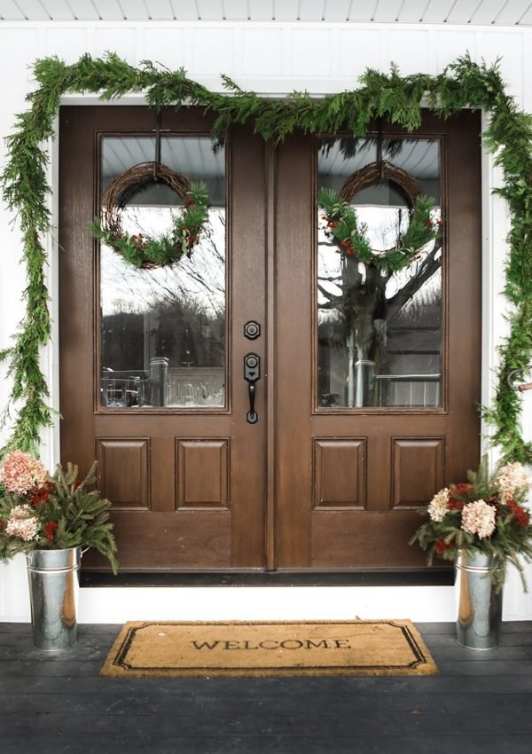 Farmhouse Christmas Porch Decor